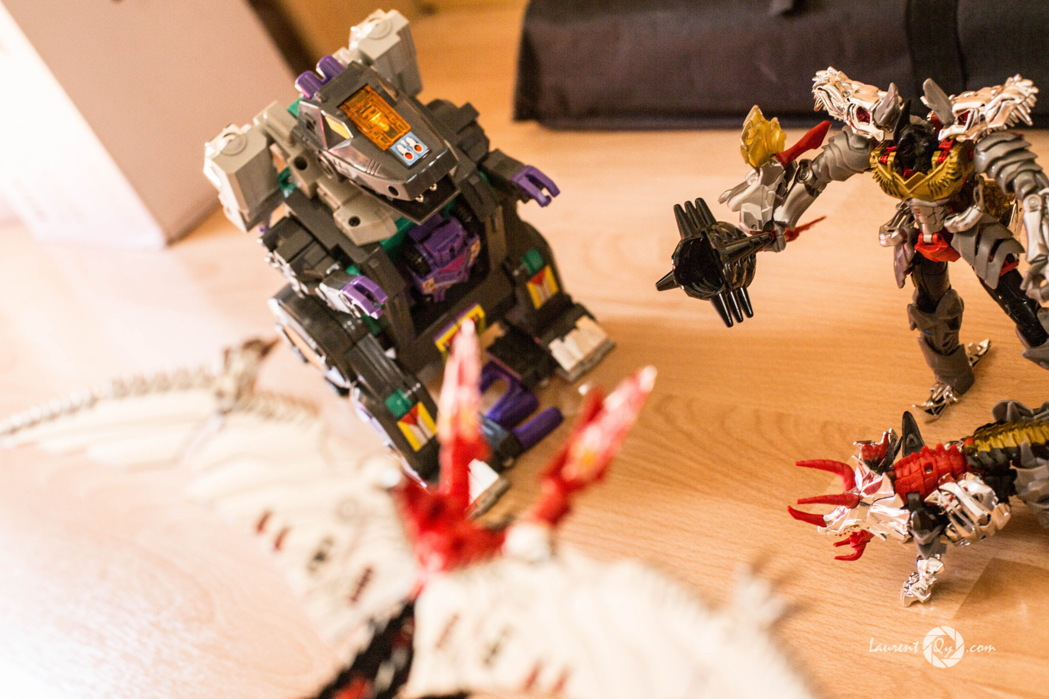 salvation-dinobots-trypticon.jpg