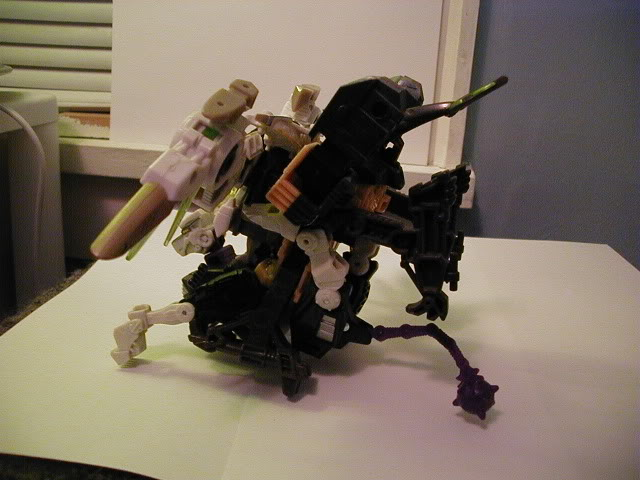 Terrorcon Combiner You Can Make-sideview.jpg