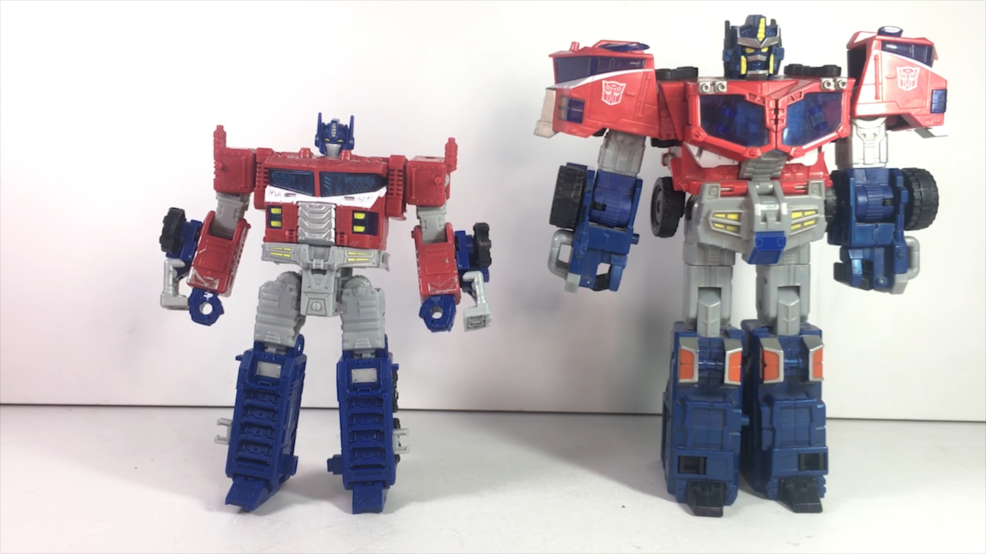 Siege Leader Optimus Prime-11.jpg
