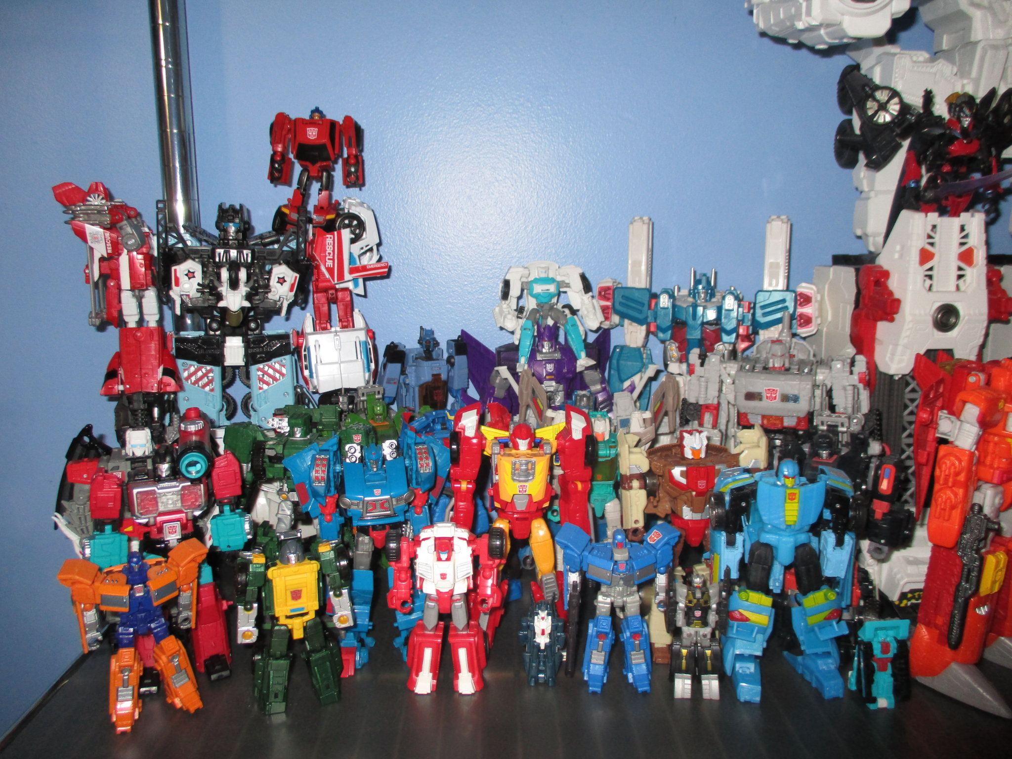The Kup's Collection - Autobot Shelf One - 2.JPG