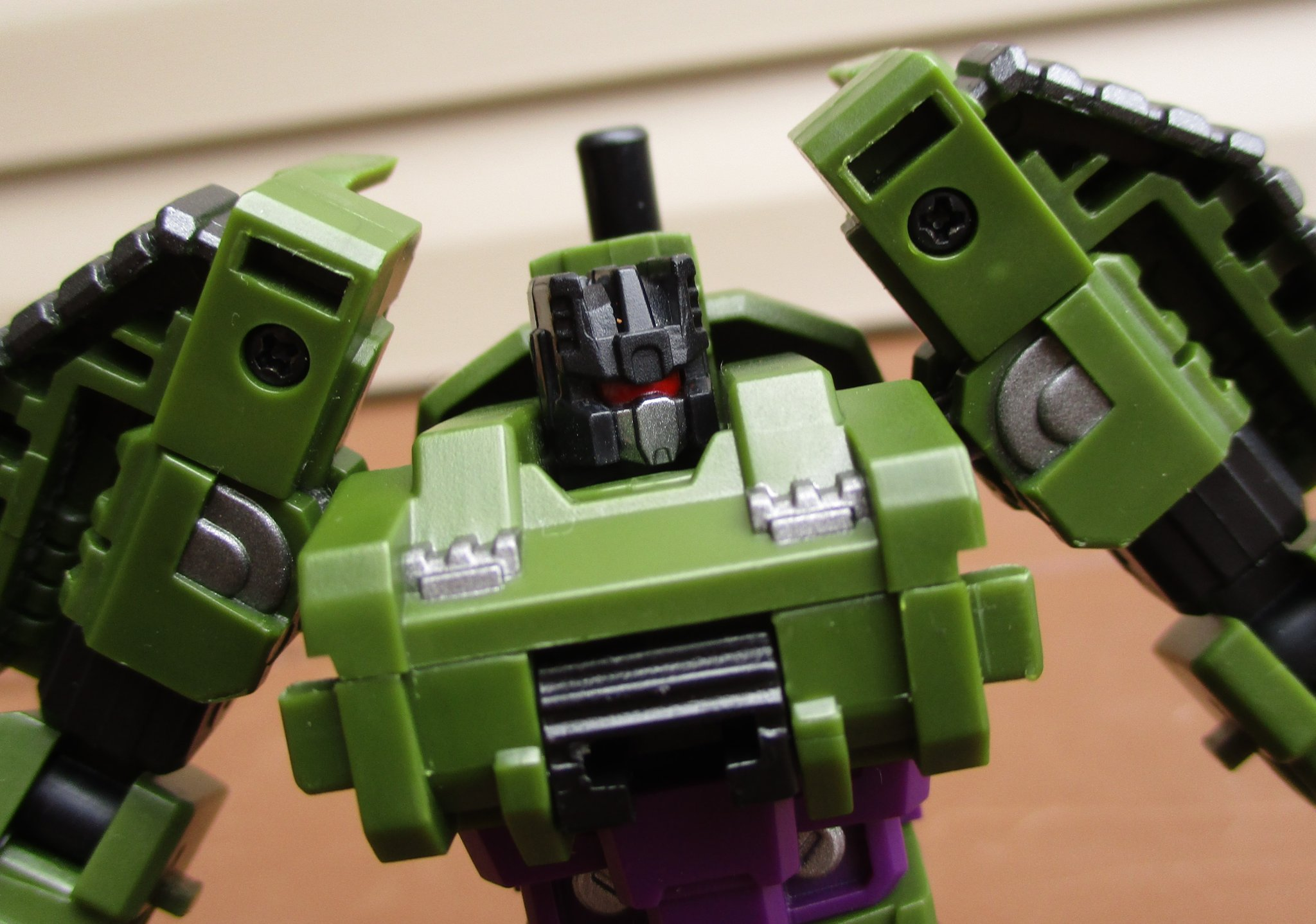 The Kup's Collection - Iron Factory Armor Boar - 1.JPG