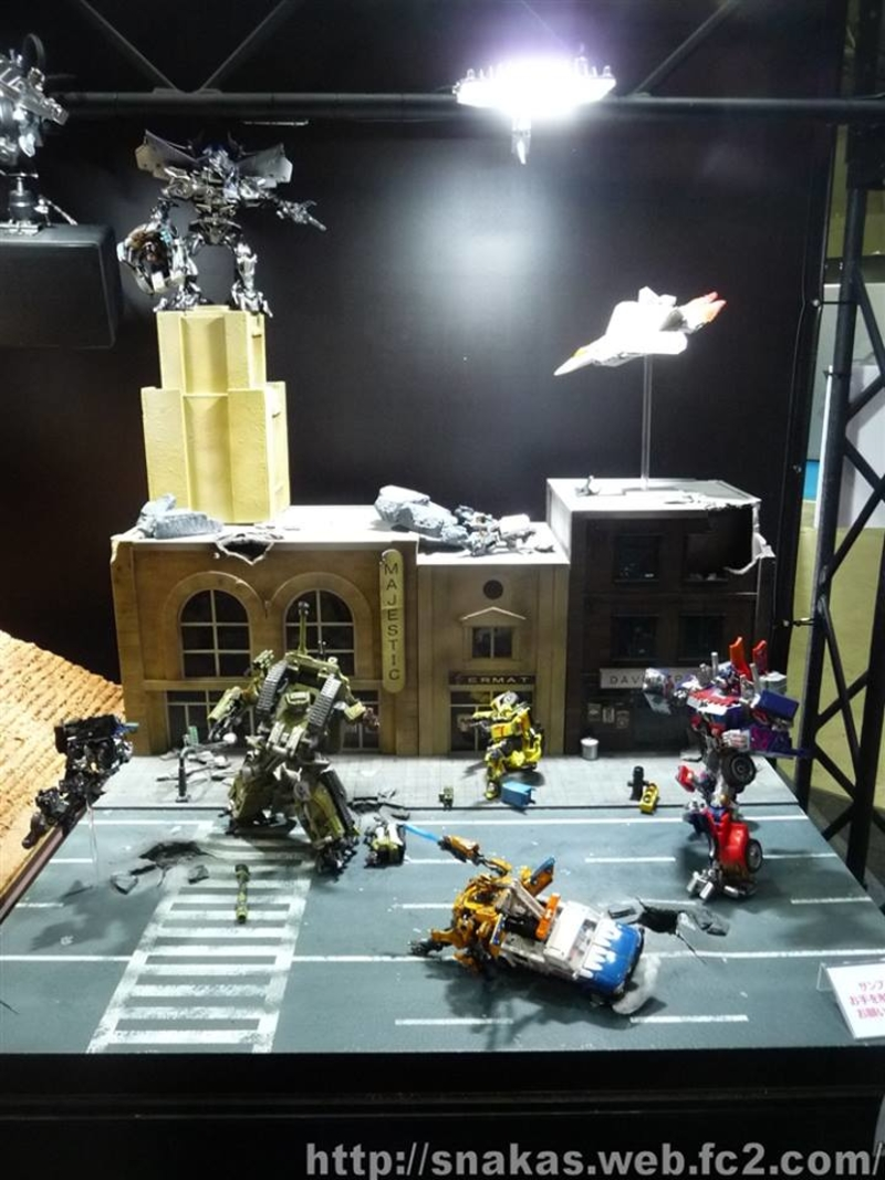 tokyo-comic-con-2017-images-of-mp-dinobot-legends-movies-g-shock-diaclone (163)__scaled_800.jpg