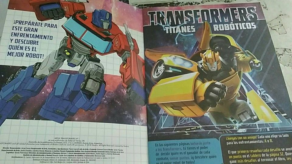 Transformers Evergreen Activity Book Latin America-02.jpg