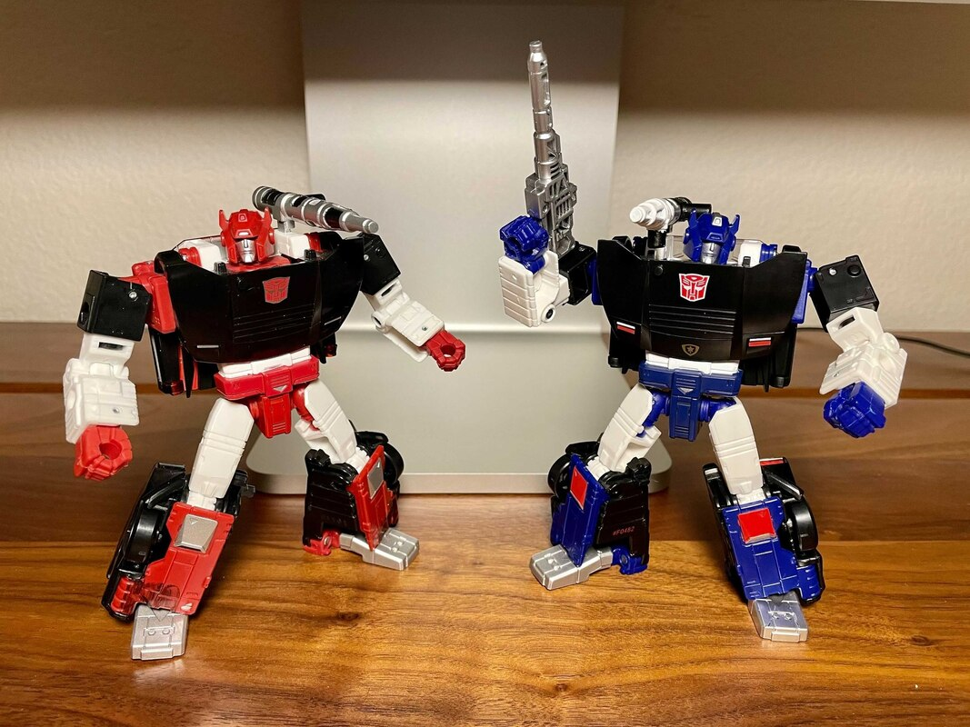 Transformers Generations Selects Deep Cover (2)__scaled_800.jpg