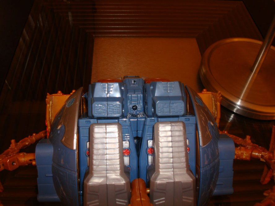 Make you own Unicron Planet stand of death and chaos!!!!-unibase2.jpg