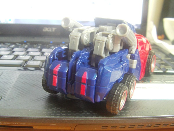 WfC Optimus Prime Easy Leg Modification-vehiclerear.jpg