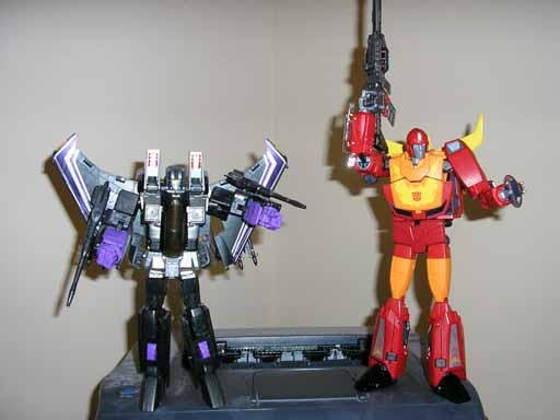 "Masterpiece Rodimus Hip Modification: Add 1/4"" Height-warp_rod_comp.jpg"